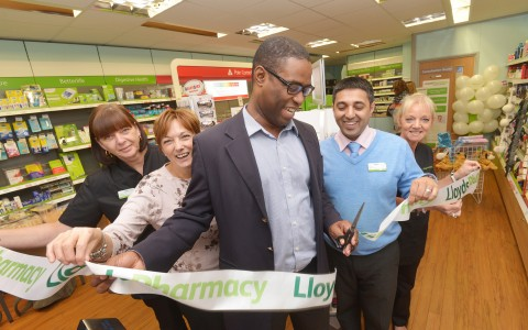 Dr Simon cuts ribbon at local pharmacist in Whitestone